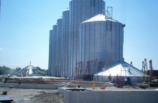 Expericenced Overseas Site Grain Silo Installation